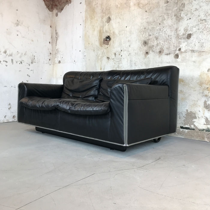 Knoll - two-seater sofa