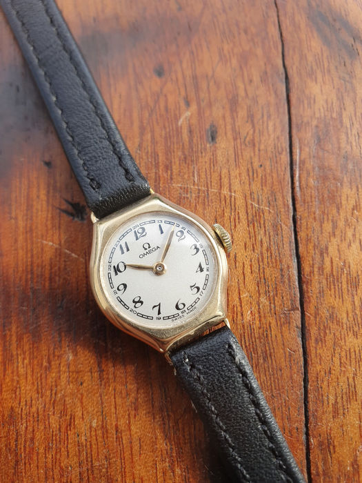 Omega -  solid gold 9K - mint sector dial - ca.1940's - full service 05.2019 - Naiset - 1901-1949