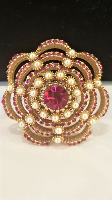SPHINX gold  plated Fuxia crystal - Brooch