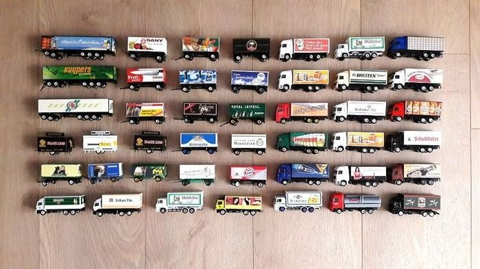Grell, Hümmer   ca. 1:87 - Lot with 44 assorted trailers and also solo trucks all without ovp - Die casting / plastic
