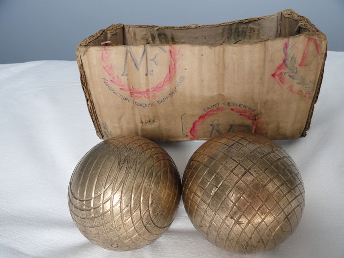 boules lyonnaise.Manufacture of French weapons and cycle St Etienne (2) - Brass