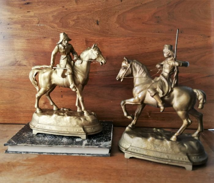 Horses with horsemen (military) (2) - Alloy