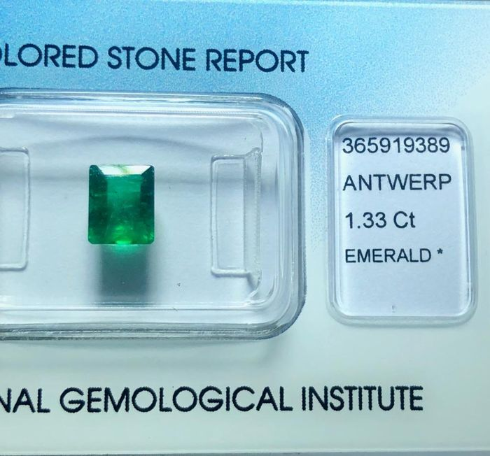 Deep Green , No Reserve Price  Emerald - 1.33 ct