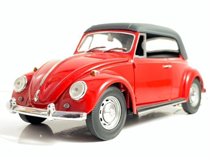 Franklin Mint - VW Volkswagen Käfer 1302LS Convertible  - Made of many little individual parts and put together by hand in scale 1:24