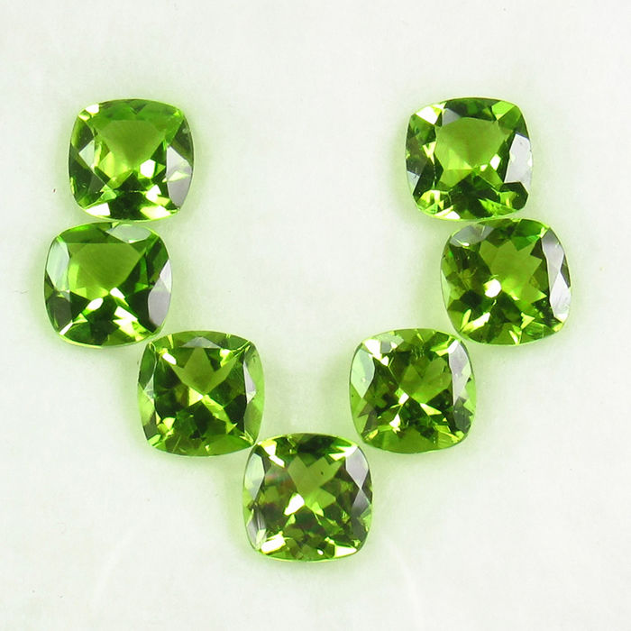 7 pcs  Olivijn - 10.13 ct