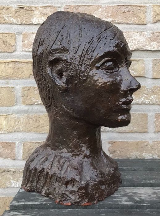 Dark terracotta bust French School - 5 kg! - Terracotta