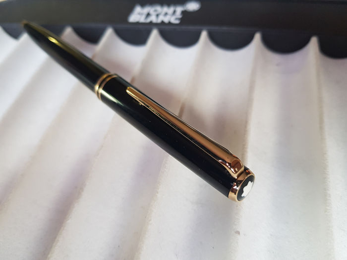 Montblanc - Classic - Ballpoint pen - Black and gold - 1980's