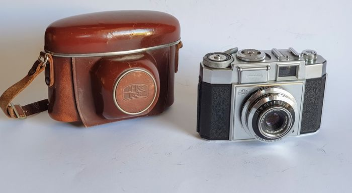 Zeiss Ikon Contina with case