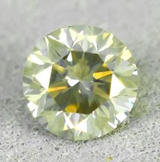 Diamond - 0.73 ct - 明亮型 - Very Light Brown - SI1 微内含一级