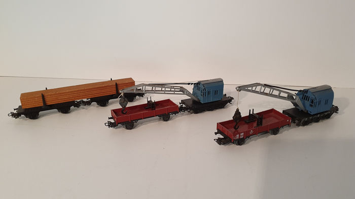 Märklin H0 - 4611/4503/4665 - Freight carriage - Two crane trucks and timber truck - DB