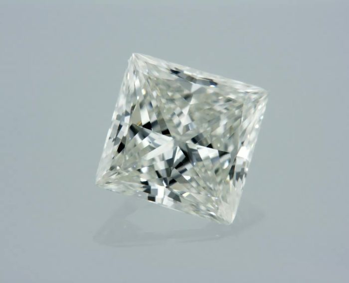 1 pcs Diamant - 0.71 ct - Radiant - I - IF (intern zuiver)