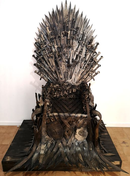 Game of Thrones - Iron Throne (190 x 90 cm) replica prop - handmade of wood and plastic - Sit down and Rule!