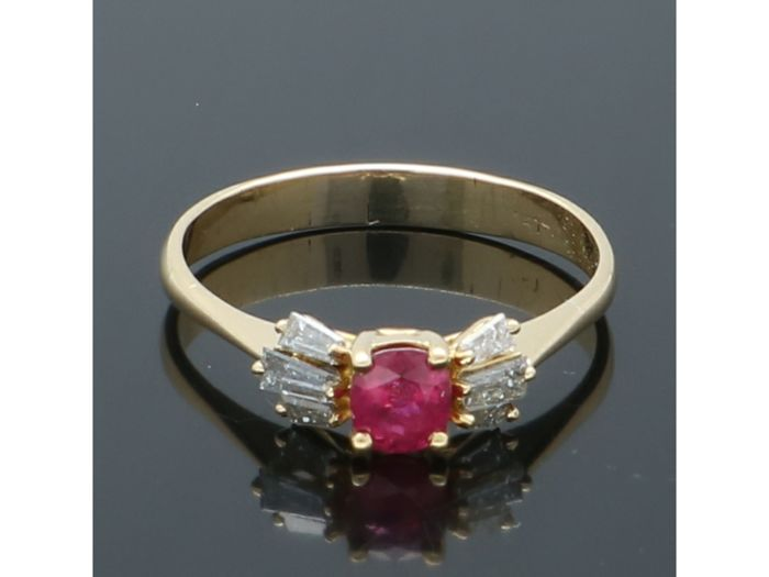 18 kt. Yellow gold - Ring - 0.38 ct Spinel - Diamond