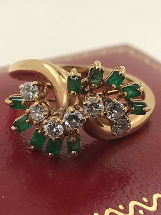 18 kt. Yellow gold - Ring Crossover diamonds - Emerald