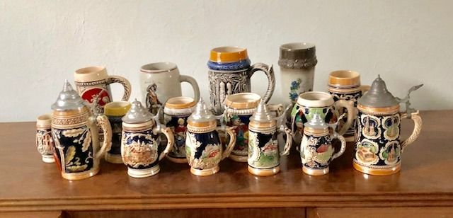 Vintage, beautiful collection of beer pots (16) - Ceramic