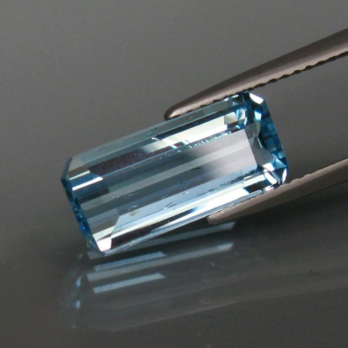 Blue Aquamarine - 3.11 ct