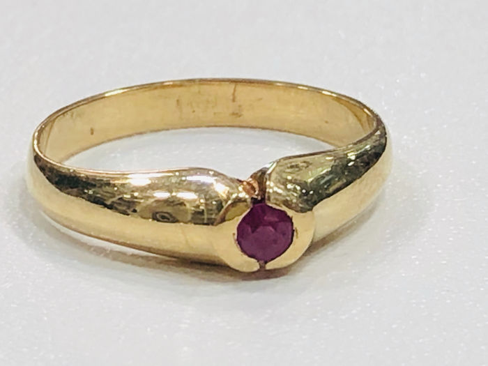 18 kt. Yellow gold - Ring Ruby