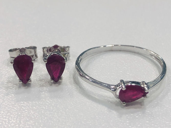 18 kt. Gold, Yellow gold - Earrings, Ring, Set Ruby