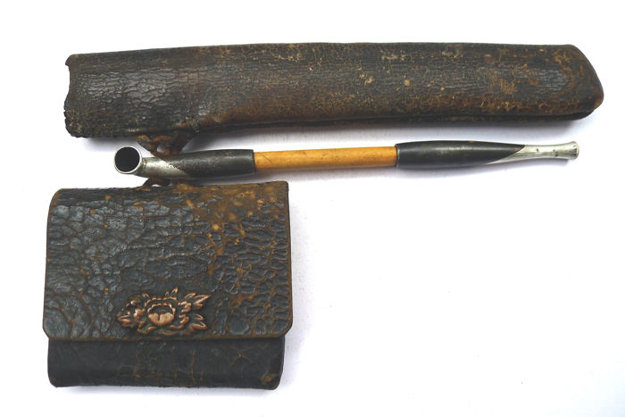 Complete kiseru (pipe), kiseruzutsu (pipe-case) and tabako-ire (tobacco pouch) - mix material - Japan - mid 20th century