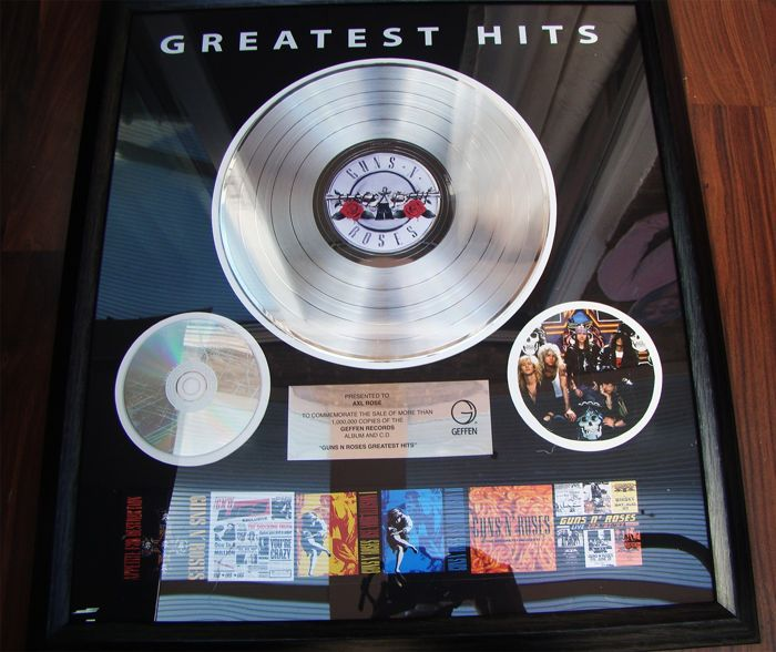 "Guns 'n Roses - ""Greatest Hits"" Presented to Axl Rose 1 million sales award - Official award - 2005"
