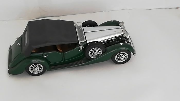 Franklin Mint - 1:24 - 1938 Alvis 4.3 Litre - Green Chrome