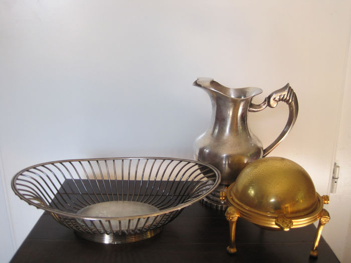 Caviar dish, basket, water jug (3) - Gold plated, Silverplate - France, Italy - 20th century
