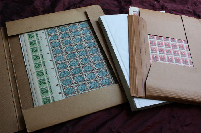 Impero tedesco - Batch of MNH stamps on insert cards and 16 complete sheets.