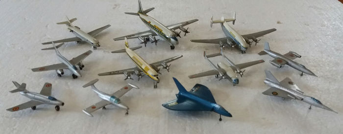 Dinky Toys / Solido / CIJ - Collection of eleven aircraft, Scale model - Metal