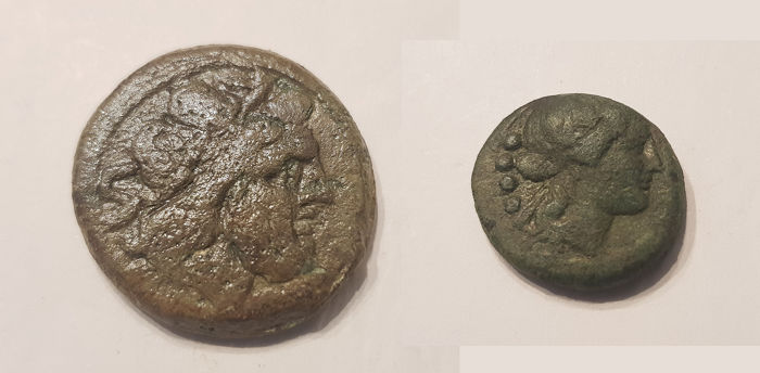Griekenland (oud), Romeinse Republiek - Lot comprising 2 AE coins: Anonymous Semis, After 211 BC / Lucania, Paestum. As, after 280 BC