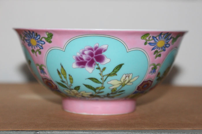Schale (1) - Familie rose - Porzellan - Blumen - China  porcelain  pink colour  flower bowl - China - 21. Jahrhundert