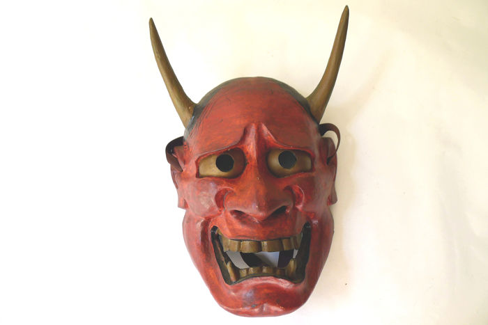 Beautiful Hannya 般若 nogaku noh mask  - Wood - With artist´s seal - Japan - mid 20th century