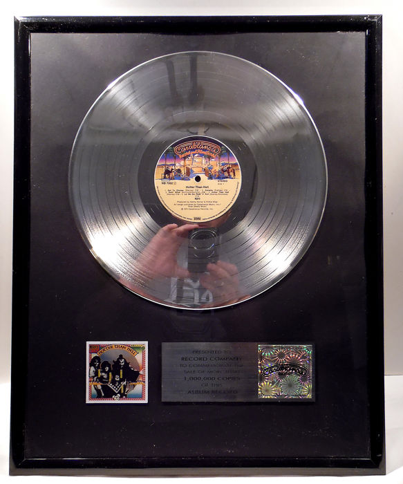 KISS - Hotter than Hell - Premio interno oficial - 1995