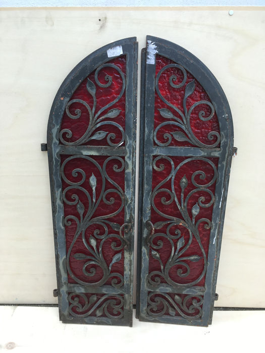 Ornamental wrought iron window (2) - Iron (cast/wrought)