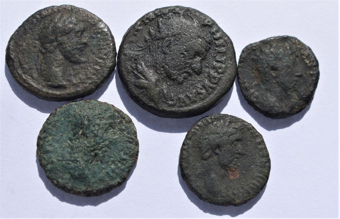 Romeinse Rijk - Lot comprising 5 Roman Provincial AE coins (18-24 mm), 2nd-3rd century