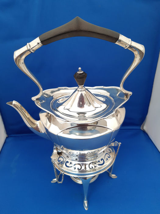Kettle on stand and burner - .925 silver - Goldsmiths & Silversmiths Co Ltd, London - U.K. - 1927