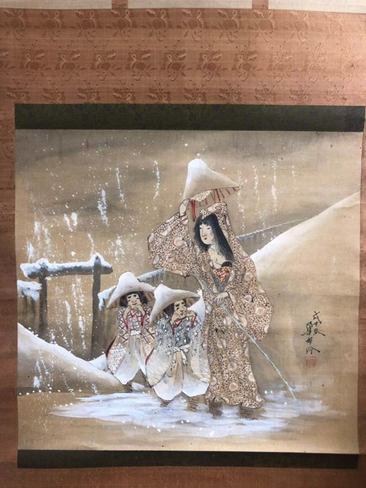 Hanging scroll - Silk and Antler Axle Head - Yukinohaha to ko 雪の母と子 (Mother and Children in Snow) - With signature and seal 'Kason' 華邨 - Japan - 1908 (Meiji period)