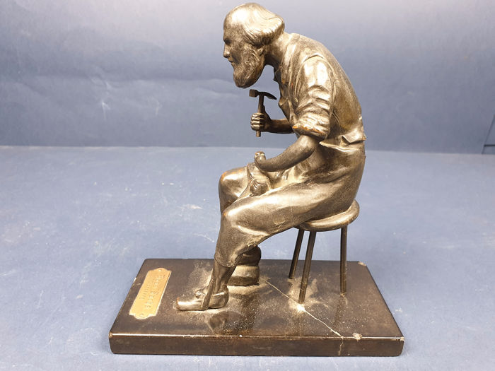 Sculpture of cobbler Hans Sachs - Antimony and marble - Early 20th century