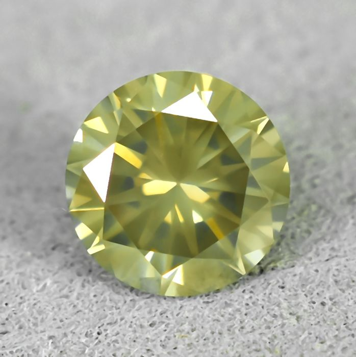 Diamant - 0.55 ct - Briljant - Natural Fancy Light Yellowish Brown - I1 - NO RESERVE PRICE