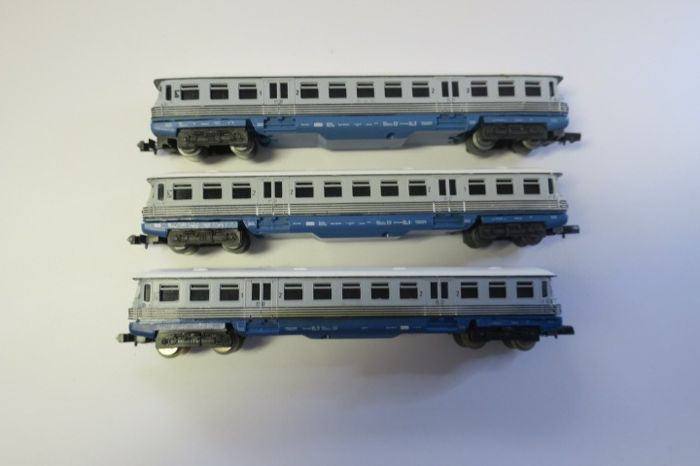 Piko N -  5/0649  - Railcar - with 2 sidecar - DR (DDR)