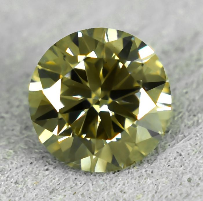 Diamant - 0.56 ct - Briljant - Natural Fancy Light Yellowish Brown - VS2 - NO RESERVE PRICE - EXC/G/VG