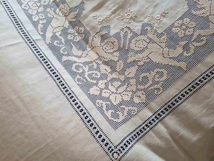 Spectacular pure linen coverlet with embroidered Angels catwalk by hand - Linen - After 2000