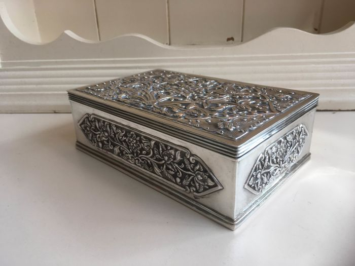 Cigar box (1) - .800 silver - Netherlands - Early 20th century
