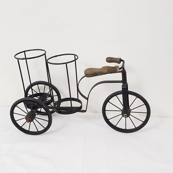 Decorative tricycle bicycle - Iron (cast/wrought)