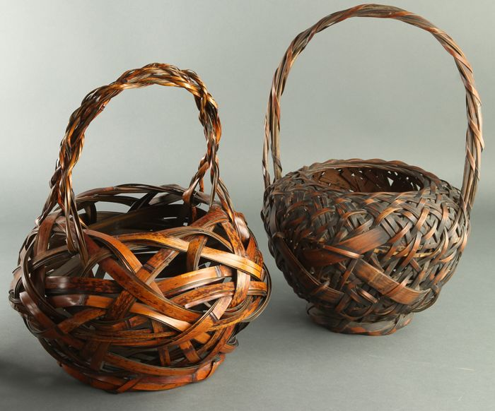Basket (2) - Bamboo - Very fine bamboo flower ikebana baskets, one is signed - Japan - mid 20th century