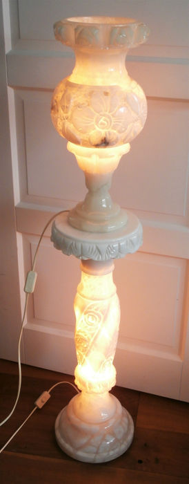 Pillar with light with accompanying lamp vase - Alabaster