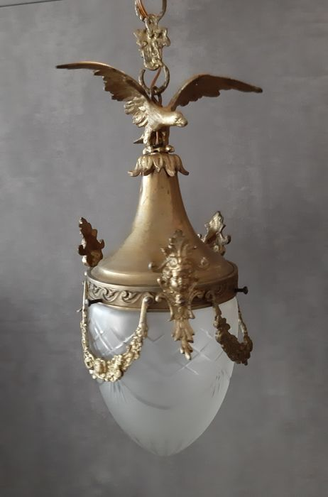 Hanging lamp with Guilandes and an Eagle - Brass, Bronze, Glass, Porcelain