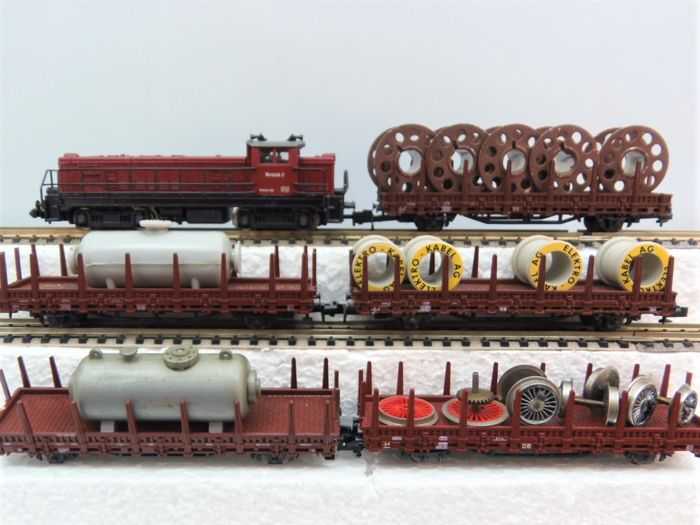 Minitrix, Roco N - Train unit - Work locomotive with stake cars - DB