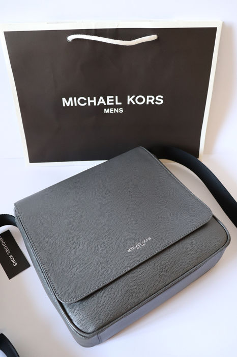 db24186967fed3 Used, Michael Kors Messenger bag Fashion Accessories Men's Accessories for  sale More pictures. Catawiki