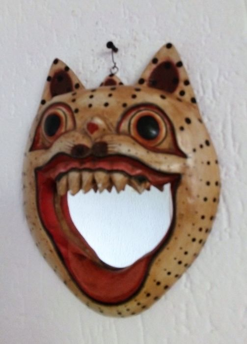 Collector item: Scary cat with mirror in mouth: Eye catcher - wood or resin