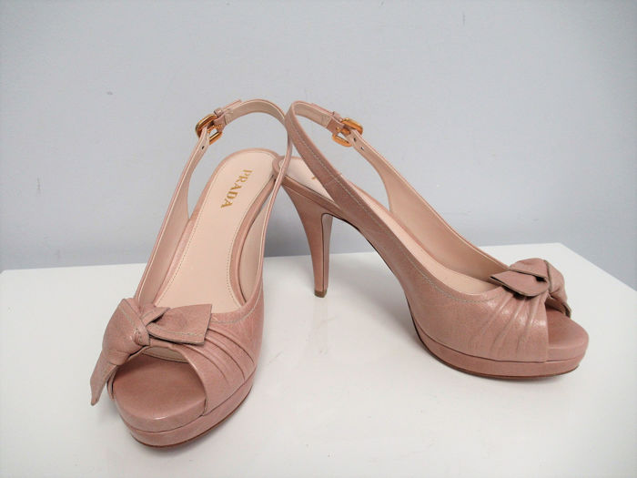Prada Pumps - Size: IT 38.5